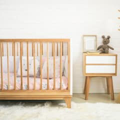 Baby room by Prágmata, Classic Wood Wood effect