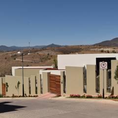 Многоквартирные дома в . Автор – GIL MAS GIL