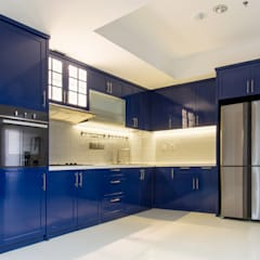 Kitchen Area at Apartment The Mansion: Dapur oleh Total Renov Studio,