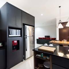Renovatio For BSD Residence at De.Green: Dapur oleh Total Renov Studio,