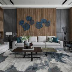 Salas / recibidores de estilo  por SING萬寶隆空間設計