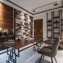 SING萬寶隆空間設計의  서재 & 사무실