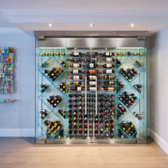 Wine Rooms & Wine Walls من Spiral Cellars كلاسيكي