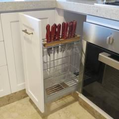 Cocina y Mobiliario Valle de Bravo: Muebles de cocinas de estilo  por ESTUDIO FD