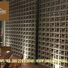 Roster Beton Minimalis - Omah Genteng - HP/WA: 08122833040:  Restoran by Omah Genteng
