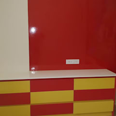 Dormitorios de bebé de estilo  por SSDecor, Moderno Derivados de madera Transparente