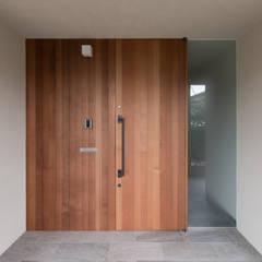 Corridor, hallway by 安江怜史建築設計事務所,