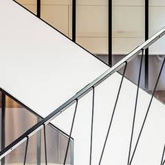 Cầu thang by Créateurs d'interieur