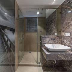 Modern bathroom by F.Quad Architecture and Interior Design Studio Modern