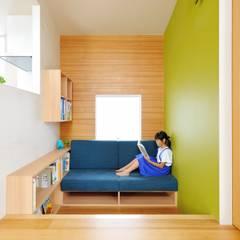 春日部の住宅: 大野三太建築設計事務所一級建築士事務所が手掛けた書斎です。,オリジナル