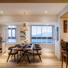 餐廳:  廚房 by 解構室內設計,