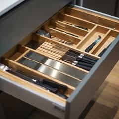 MIX: Módulos de cocina de estilo  de Antonio Parrondo Interiorismo
