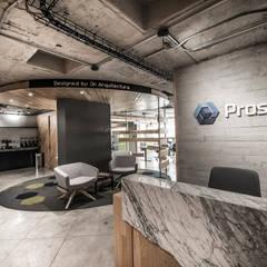 Phòng học/Văn phòng by JK Arquitectura