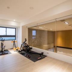 Ruang Fitness by 解構室內設計
