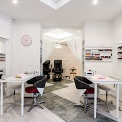 Clinics by IDeALS | interior design and living store