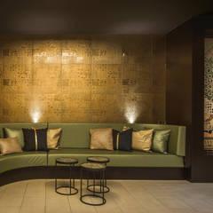 Keramiek mozaiek Wellness - Rasul - Sauna:  Gezondheidscentra door Atelier De Mozaiekkamer