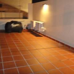 Terraza: Terrazas de estilo  por GR Arquitectura