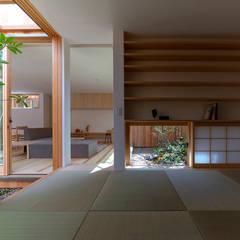 明石の家 house in akashi: arbolが手掛けた和室です。,ミニマル