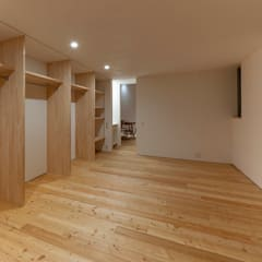 宝塚の家 house in takarazuka: arbolが手掛けた寝室です。