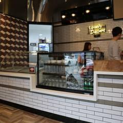 디저트 카페 인테리어 DESSERT CAFE INTERIOR_부산인테리어 : 감자디자인의  다이닝 룸