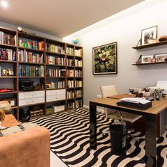 مكتب عمل أو دراسة تنفيذ SHI Studio, Sheila Moura Azevedo Interior Design , حداثي
