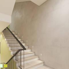 Зеленая роща: Лестницы в . Автор – Мастерская интерьера Юлии Шевелевой,