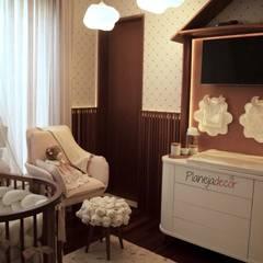 Dormitorios de bebé de estilo  por Planejadecor, Moderno