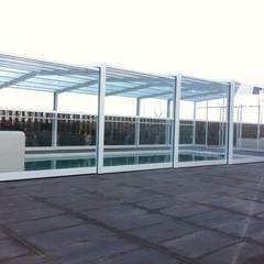 Modelo TRY: Piscinas de jardín de estilo  de UniSUR - Cubiertas para piscina