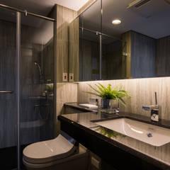 室內設計-惠宇上晴邱宅:  浴室 by 解構室內設計