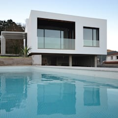 Garden Pool by LIQE arquitectura