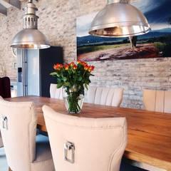Villa Torino:  Dining room by Plan Créatif