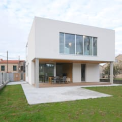 Vivienda en Vilariño: Casas unifamilares de estilo  de LIQE arquitectura