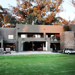 Vaal River:  Country house by Plan Créatif