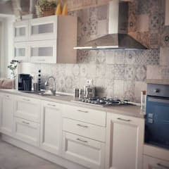Kitchen by  ILAB2.0 Design Studio