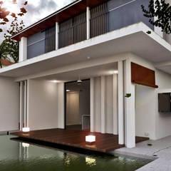 Proyecto Arquitectura: Casas unifamilares de estilo  de Dah homify