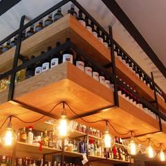 Bars & clubs by Arquitectura de Interior,