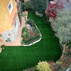 Front yard by Lizzeri S.n.c., Modern