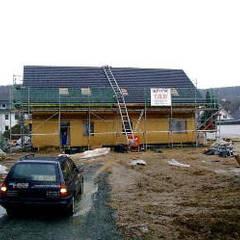 Casas de madera de estilo  por EVSAN PREFABRİK