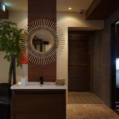 카페 인테리어 CAFE INTERIOR_부산인테리어: 감자디자인의  욕실