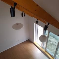 노부부를 위한 전원주택 수련집: 주식회사 큰깃의  계단