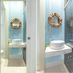 Apartamento en Gran Vía. Madrid: Baños de estilo  de Estudio Mercedes Arce