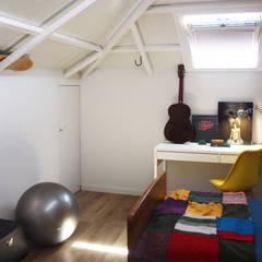 Tangerinas e Pêssegos - Design de Interiores & Decoração no Porto의  작은 침실