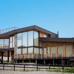 Rumah kayu by Kimche Arquitectos