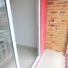 Balcón: Balcón de estilo  por AlejandroBroker