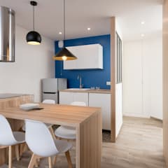 Small kitchens by Camille BASSE, Architecte d'intérieur