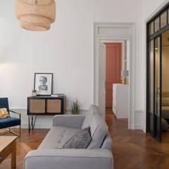 Chez Sophie et Morgan: Salon de style  par Camille BASSE, Architecte d'intérieur