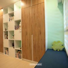 Phòng học/Văn phòng theo 欣和室內規劃設計有限公司,