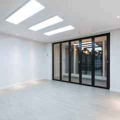 Modern Living Room by 곤디자인 (GON Design) Modern