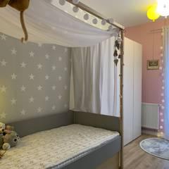 Mieszkanie w Pile: styl , w kategorii Pokój dla dziwczynki zaprojektowany przez Fabryka Wnętrz