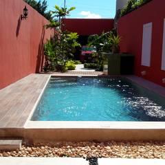 استخر توسطGrupo Inmobiliario Dofer, مدرن